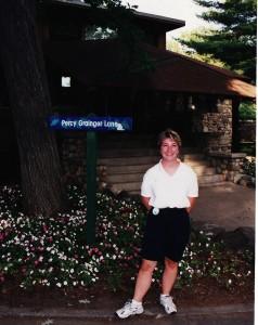 Beth on Grainger Ln Aug 2001