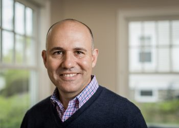 Ep147: Andy Molinsky on How to Reach Beyond Our Comfort Zone